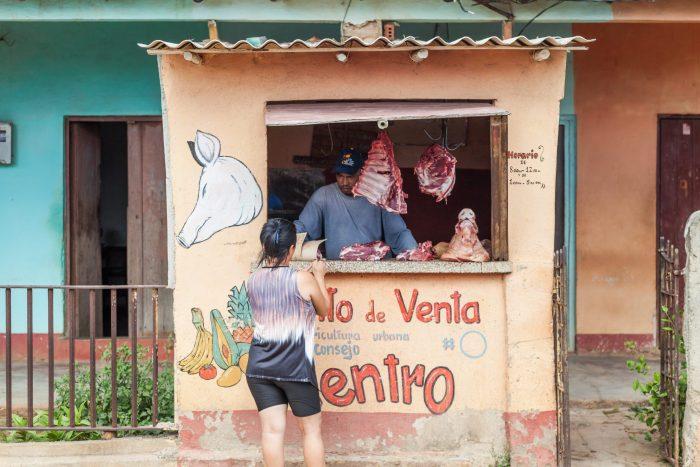 Fleischverkäufer - Verpflegung auf der Fototour in Kuba