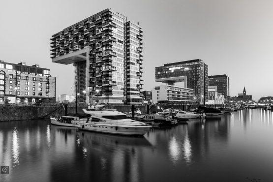 Fotografie von den Kranhäusern im Kölner Rheinauhafen